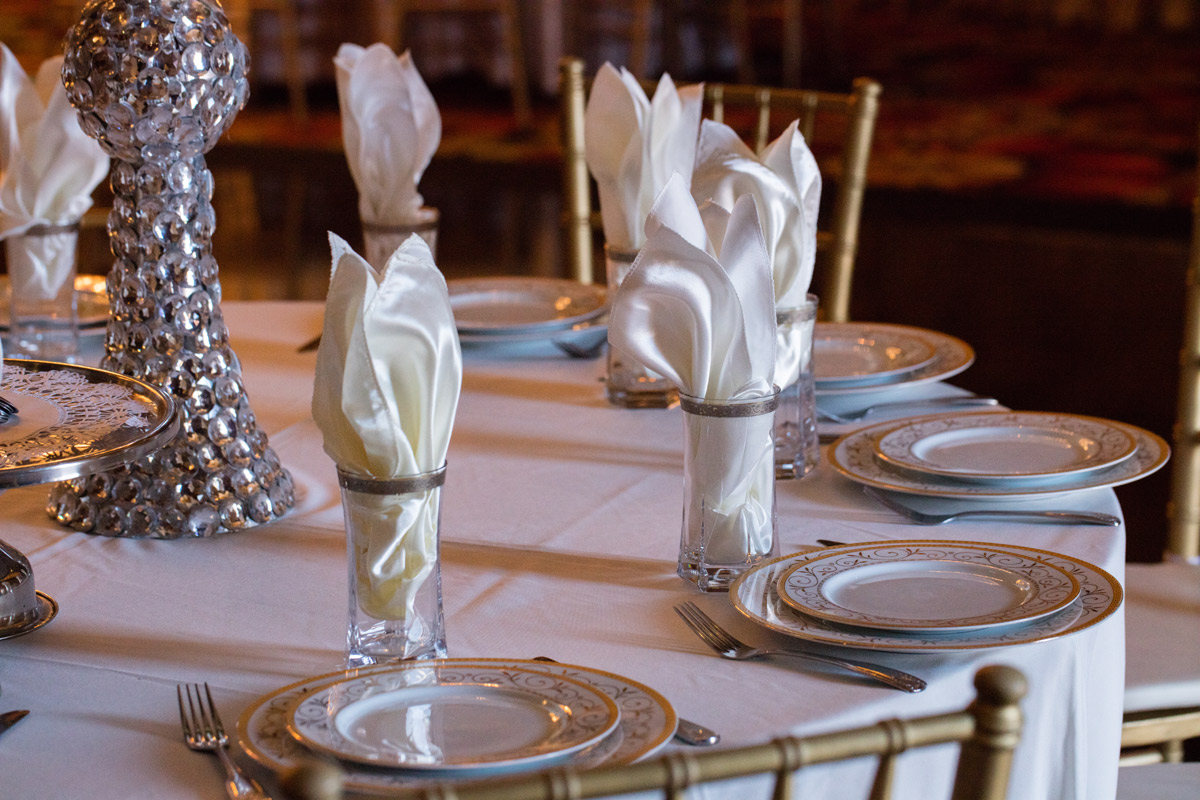 Napkin Plate Decorations table
