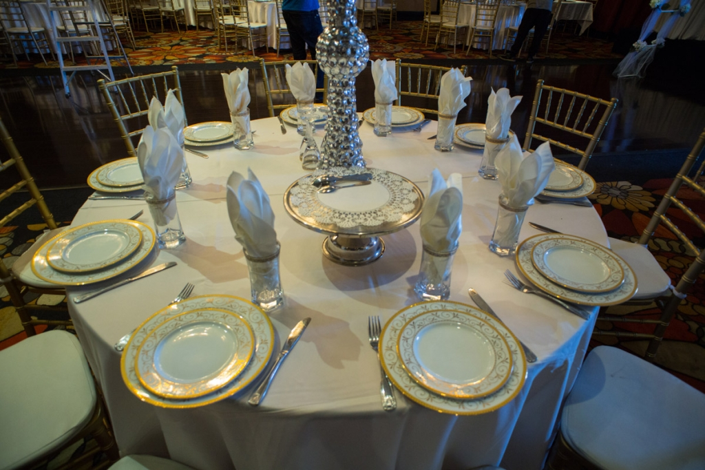 Hollywood Banquet Hall Is Perfect For Family Style Dining