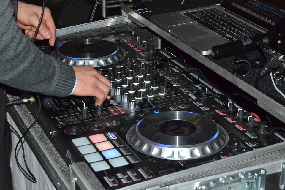 wedding dj equipment